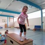 5-6 Jährige: großer Kasten - kurz vorm Sprung