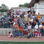 10.06.2012: 3.Wandertag - Gruppe auf dem Sportplatz